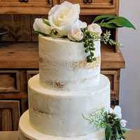 Naked #wedding #cake #destinationwedding